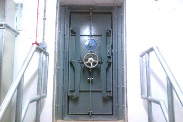 Watertight-door-2-edit & Airtight Doors Uk \u0026 Watertight-door-2-edit